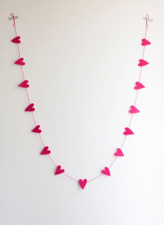 Sweet heart garland in pink - made by Home sweet home design (etsy shop)