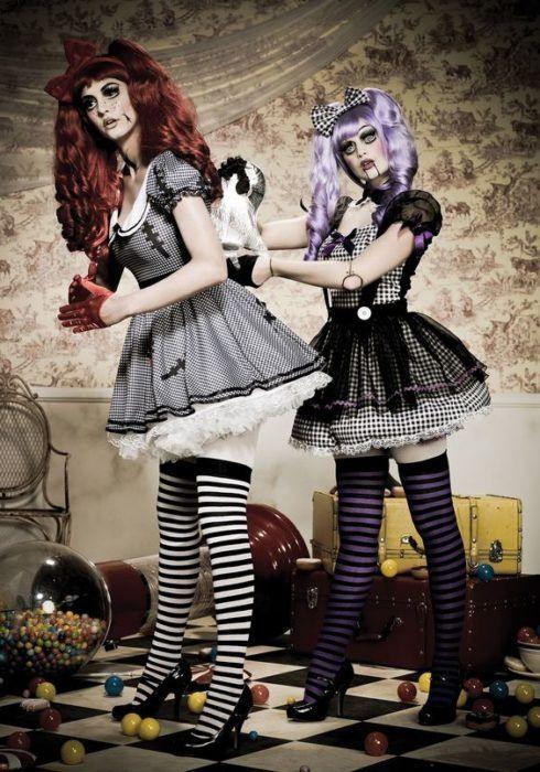 Dos muñecas