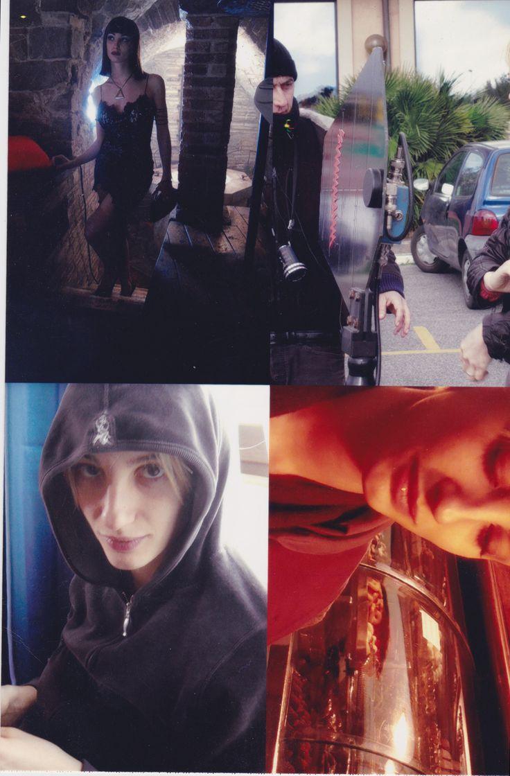 Collage di foto per i raccordi di trucco, capelli e costumi.