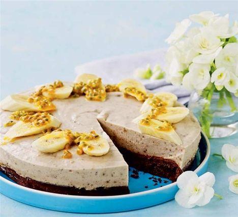Choko-banan-kage med passionsfrugt