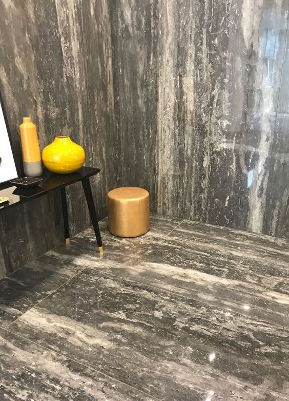 Extra-large format tiles on display at Cersaie 2017.