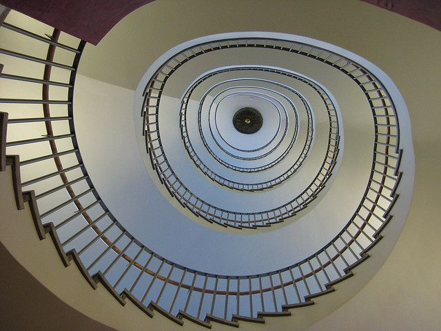 2008 spiral staircase by ka00duedo, via Flickr