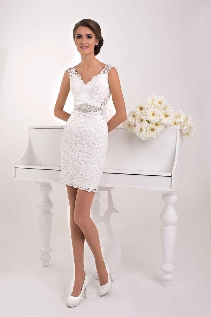 Elegantné krátke čipkované svadobné šaty s pripínatelnou sukňou