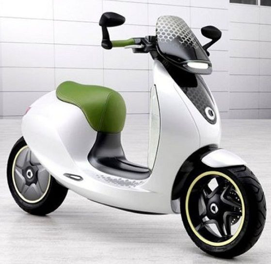 Daimler owned Smart have already offered their electric powered car and bike, and now comes their third offering, an electric scooter. Initially showcased at the 2010 Paris Motor Show, it was forgotten all this years, but now thanks to increase in number of environment conscious buyers, the e-scooter is back.