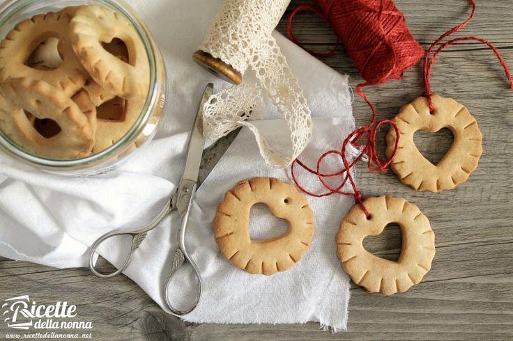 Biscotti di Natale da appendere allalbero