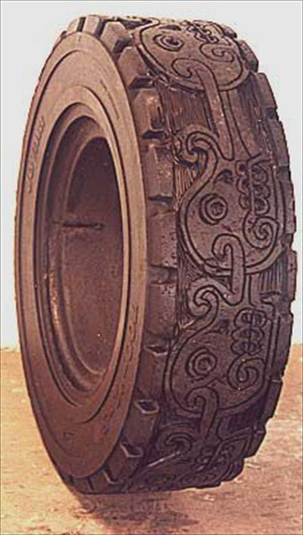 1000 images about tyre pots creations on pinterest for Old tire art