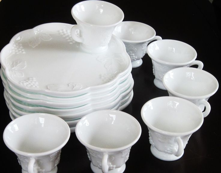 Image detail for -Vintage White Milk Glass Snack Sets Plates with Cups Grapes u0026 Vine & 108 best Vintage Snack Plate Sets images on Pinterest | Plate sets ...
