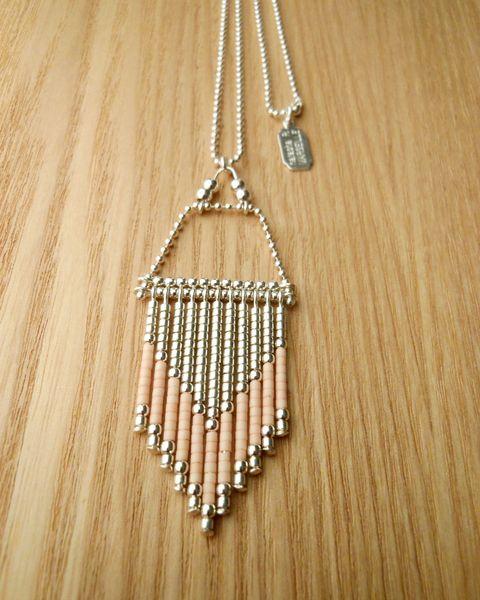collier indien ? collier mexicain ? motif géométrique ou chevron