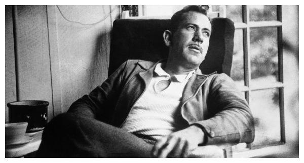Steinbeck - I Nobel per la letteratura più amati e popolari di tutti i tempi: ecco l'elenco degli scrittori. - http://www.wuz.it/articolo-libri/8435/premi-nobel-amati-pubblico-lista-elenco.html