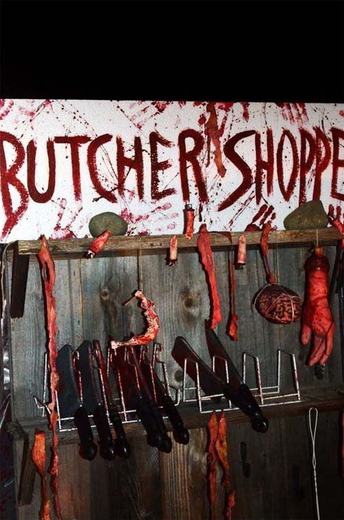 129 World`s Insanest Scary Halloween Haunted House Ideas Creature