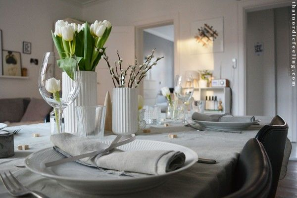 Simple Christmas table via that nordic feeling