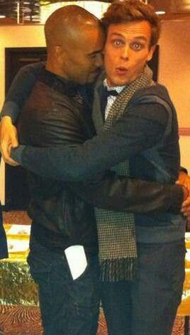 Criminal Minds Spencer Reid & Derek Morgan I want to be in the middle :) Shemar Moore & Matthew Grey Gaubler