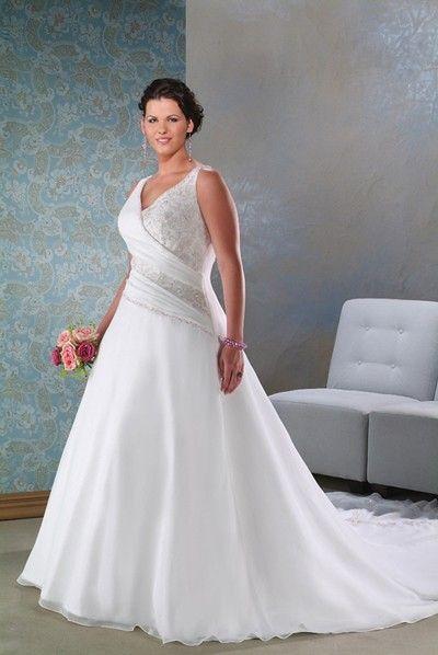 Gorgeous V-neckline Embroidery Wedding Apparel #weddingdressdesigners #tealengthweddingdresses #camoweddingdresses