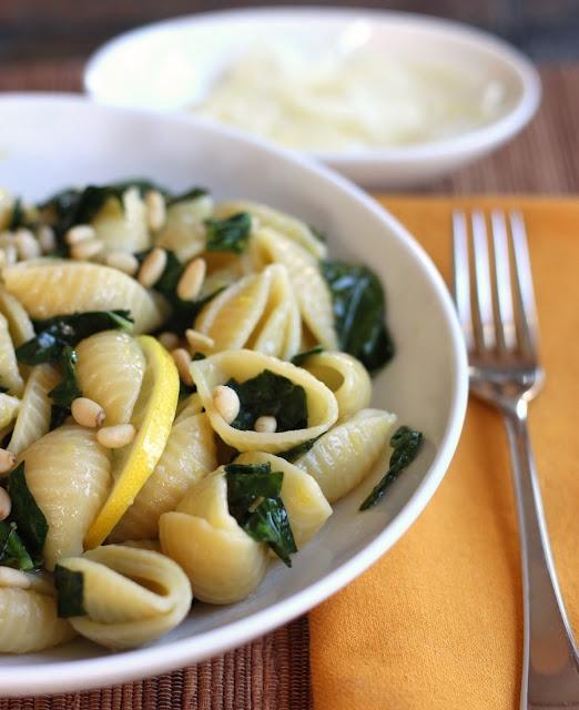 Easy Lemon/Garlic Kale Pasta by cilantropist #Pasta #Kale #Lemon #cilantropist