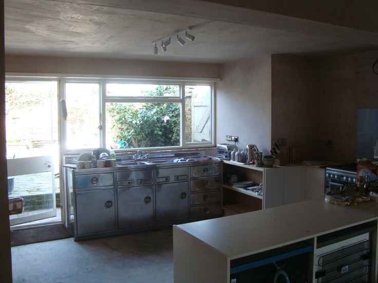 kitchen thru' to garden