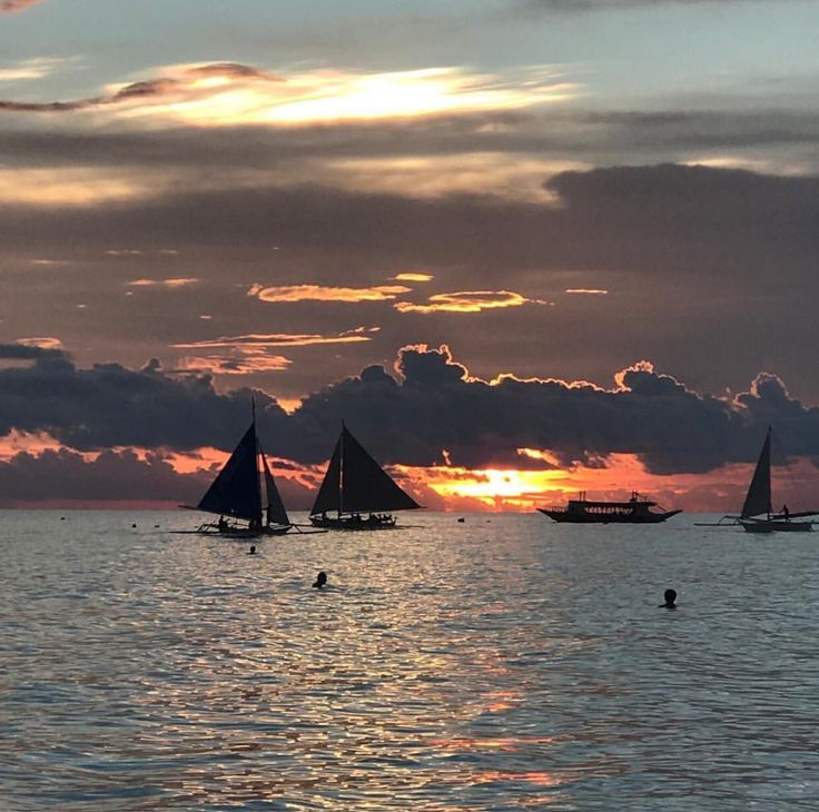 How do you like your sunset today? This is just perfect. All my favorite dark golden hues in one amazing sunset. Thank you Boracay.