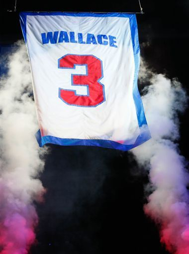 Ben Wallace's jersey is retired to the rafters during
