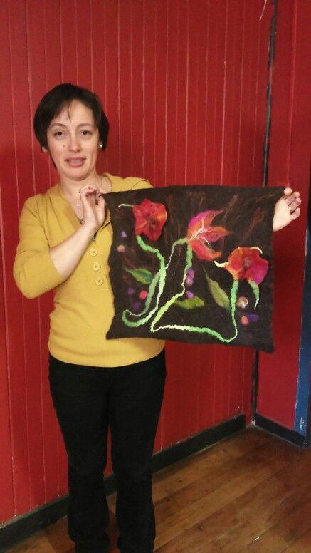 Rubí y sus flores en relieve