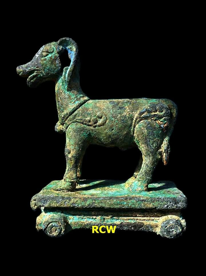 Goat Toy, Bronze, H: 9 cm; W: 4.5 cm; L: 10 cm, origin Trowulan district-Mojokerto regency-East Java province-Indonesia (2017). Circa 14th-15th century or Majapahit Kindom period