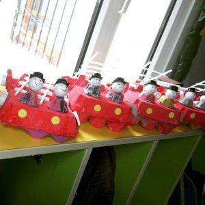 This page has a lot of free Fireman craft idea for kids,parents and preschool teachers.
