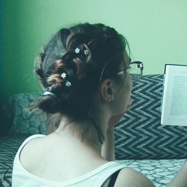 Прически на короткие волосы. Косы