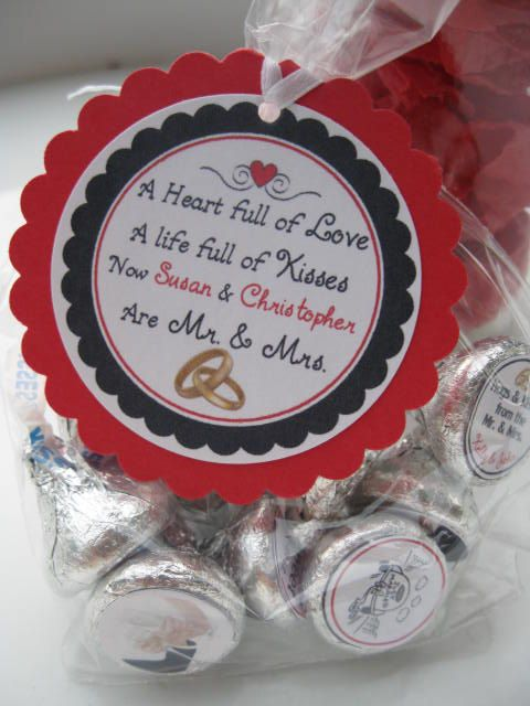 Wedding thank you tags - wedding favors - Mr and Mrs - bride and groom - personalized wedding favors - cupcake qt. $4.50, via Etsy.