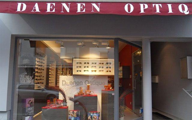 Daenen Optique (La Hulpe - Brabant Wallon): Optique Lunettes et Lentilles.Le magasin Daenen Optique est implantée depuis 1994 dans la jolie rue commerçante de La Hulpe et vous invite à y trouver les réponses appropriées à votre vue.Notre savoir-faire:Presbytie, myopie, astigmatisme, hypermétropie, basse vision… nous vous conseillerons les verres optiques ou solaires et les lentilles de contact les mieux adaptés à vos besoins.System impressionist RODENSTOCK (système de centrage par ...