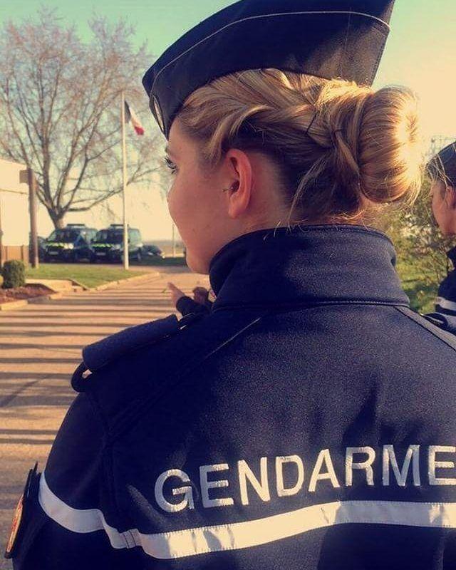Militaire Francais Photos De Militaire Armee De Terre Marine Armee De L Air Gendarmerie Gendarmerie Francaise Grade Militaire Francais Militaire Francais