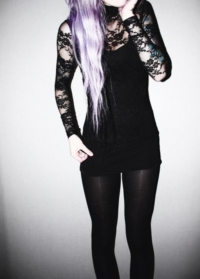 Love pastel purple hair and that look.