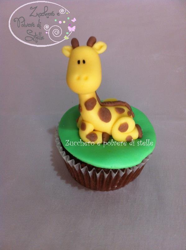 Tutorial: come fare una giraffa in pasta di zucchero   Un dolce negozio dove trovare tutto il necessario per decorare le tue torte   %description%