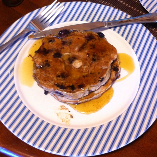 banana blueberry pancakes with cinnamon vanilla butter. Yum! www ...