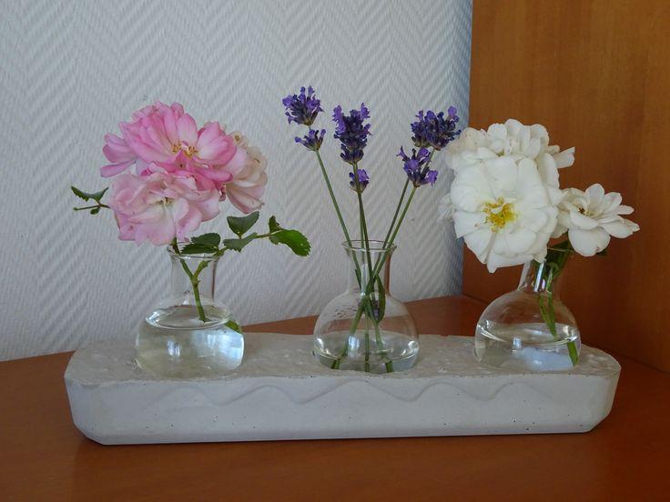 Beton Deko von Anninas-Bastellounge und Blumen aus dem Garten