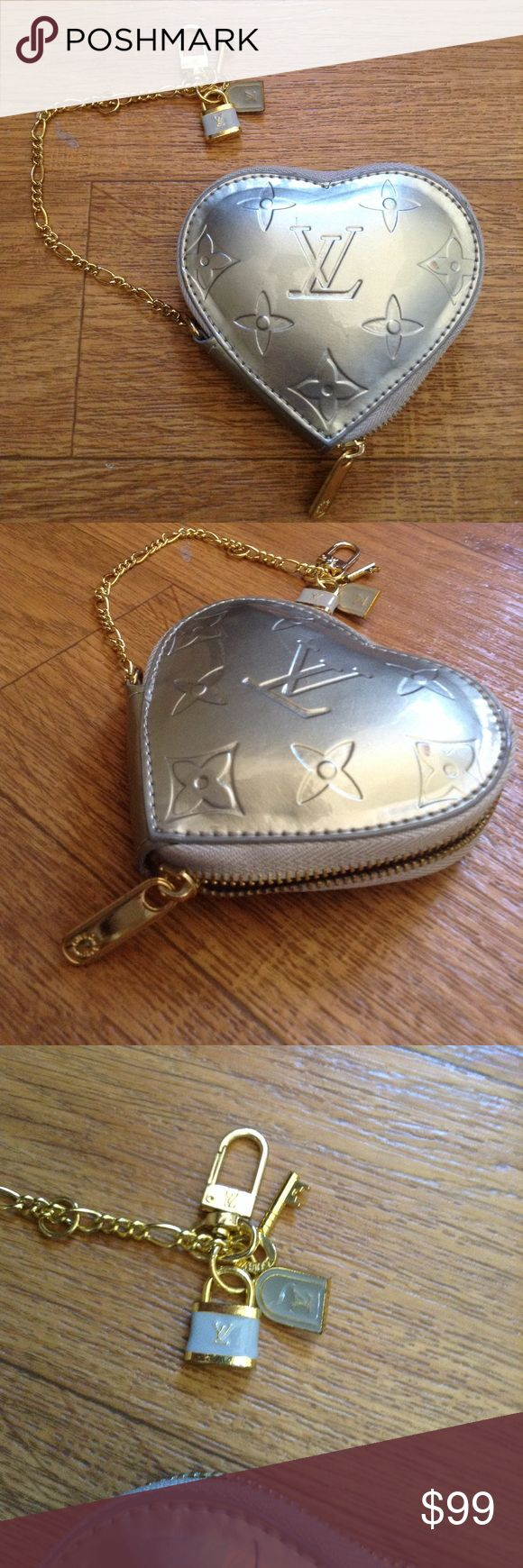 ❤️Heart Coin Purse Chain Wallet Bag Lock Key Charm Brand new!!! Wow!!! Sitting in my closet for too long and that's why it looks old used. I don't think it's a Louis Vuitton Vernis bag. Good working zipper.   Bundle up with my other items to get an extra discount and save on combined shipping!!    🏉👍🏻👠 Louis Vuitton Bags Wallets