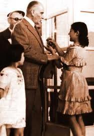 Atatürk'ü öğrenerek büyümüş bir çocuksanız, masallardaki kahramanlara ihtiyaç duymazsınız...!