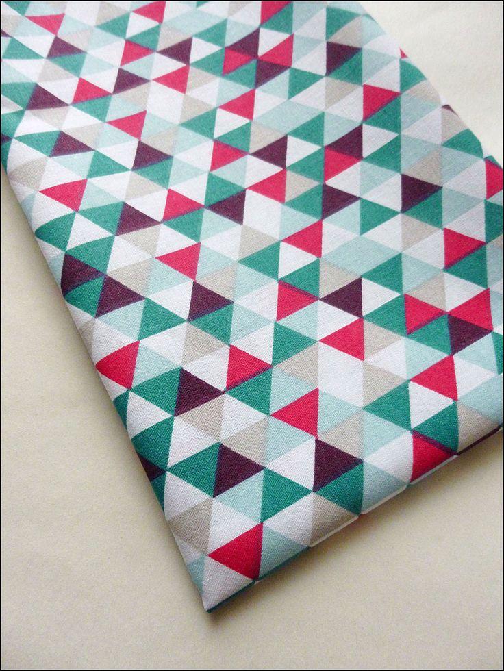 Coupon tissu coton 80 cm x 160 cm , motifs triangles, tendance scandinave : Tissus Habillement, Déco par la-mercerie-d-elyzza