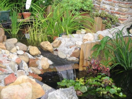 17 best images about bassins de jardin on pinterest for Bache pour bassin de jardin