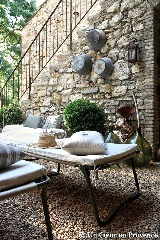 pinterest homes with daybeds | Encore! Life, | ♕ | Siesta in Provence | by © Un Coeur en...