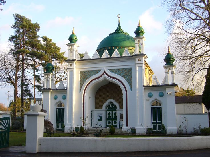 The Shah Jahan Mosque, built in 1889, was reportedly the first mosque in the United Kingdom; today, the country has more than 1,500. [23] [24]