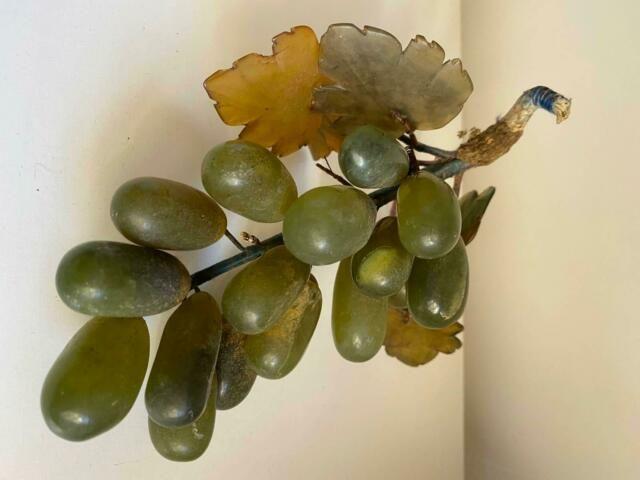 Vintage Retro Glass Grapes Antiques Gumtree Australia Maroochydore Area Nambour 1250178668 In 2020 Vintage Green Glass Vintage Tapestry Retro Vintage