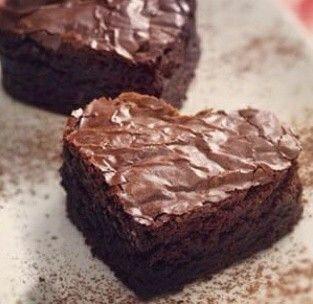 Moelleux au chocolat découpé en petits coeurs: Saint Valentin