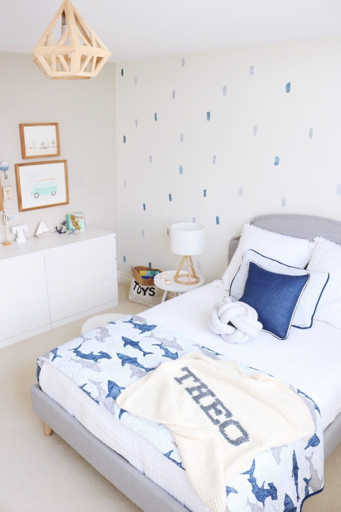 Cutest Toddler Bedroom Light And Airy Some Beach Vibes Love The Way Blues Natural Wood Tones Come Together Here Create Warm