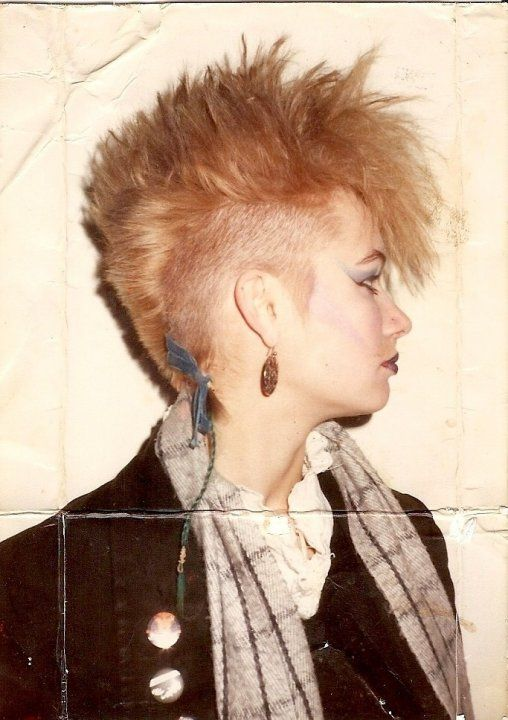 Via tumblr sidecut 80s Punk hair 80s punk Punk girl