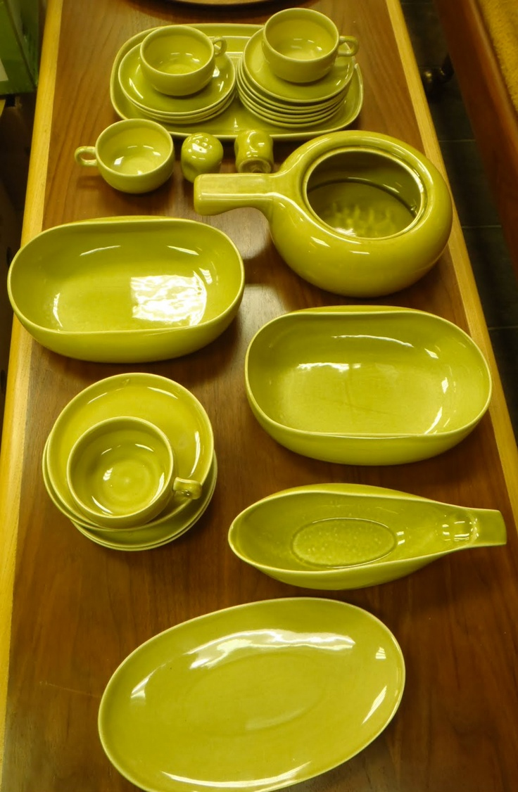 American Modern pottery by Russel Wright pottery made by Stuebenville Pottery from 1939-1959 & 52 best Russel Wright images on Pinterest | American modern Dinner ...