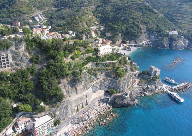 Vote our place in Monterosso Cinque terre http://iluoghidelcuore.it/luoghi/28266