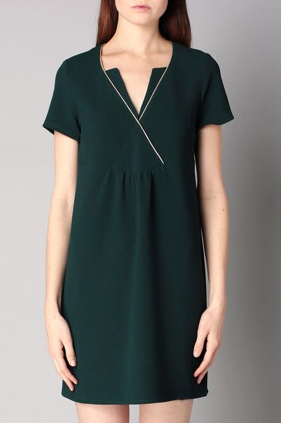 Robe verte taille empire liseré doré Natalia Opullence sur MonShowroom.com