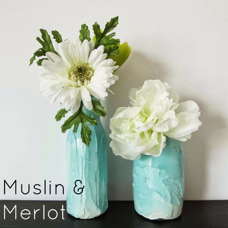 Looking for some rustic centerpieces for wedding or home decor? Make your own! By Muslin & Merlot