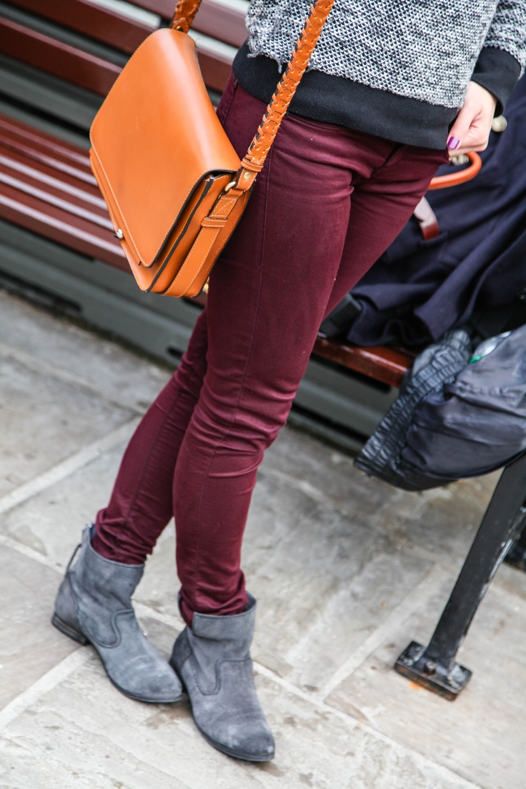 Zara booties and messenger bag with Topshop Leigh Moto Superskinny Jeans    http://tstyledme.wordpress.com/2012/06/29/tsm-coloured-denim-for-bicester-village-day-trip/