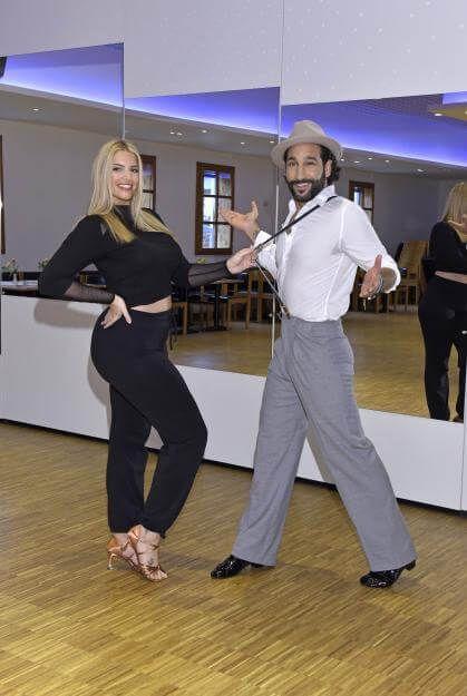 Angelina Kirsch trainiert fleißig für die Tanz-Show!