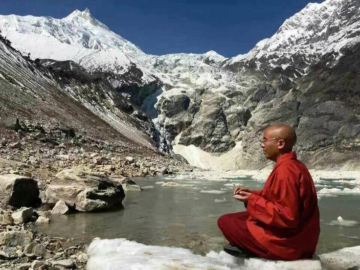 """Observation of thoughts, emotions, and sensations ~ Mingyur Rinpoche http://justdharma.com/s/bx27d  Through the patient observation of the thoughts, emotions, and sensations we experience in any given moment, from which comes a gradual recognition that they are not inherently real things.  – Mingyur Rinpoche  from the book """"The Joy of Living: Unlocking the Secret and Science of Happiness"""" ISBN: 978-0307347312…"""