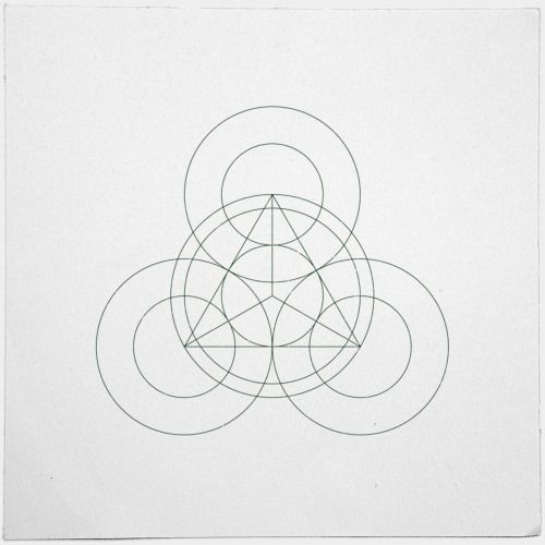 #342 Triple-eyed – A new minimal geometric composition each day